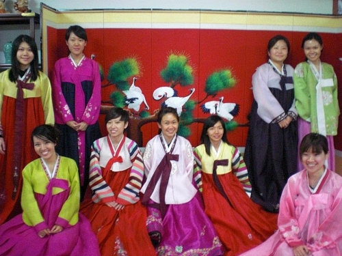 korean trad outfit group